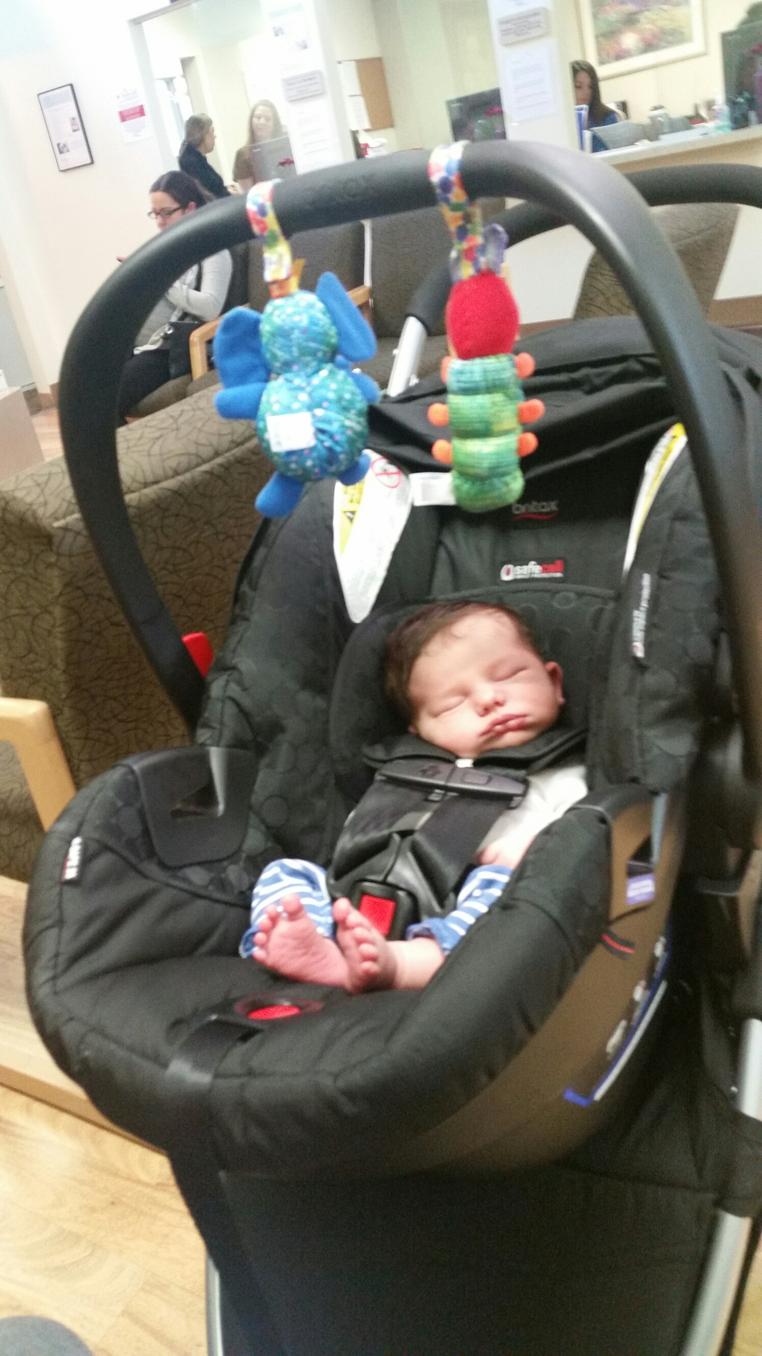 Just chillin' at mommy's doctors office.